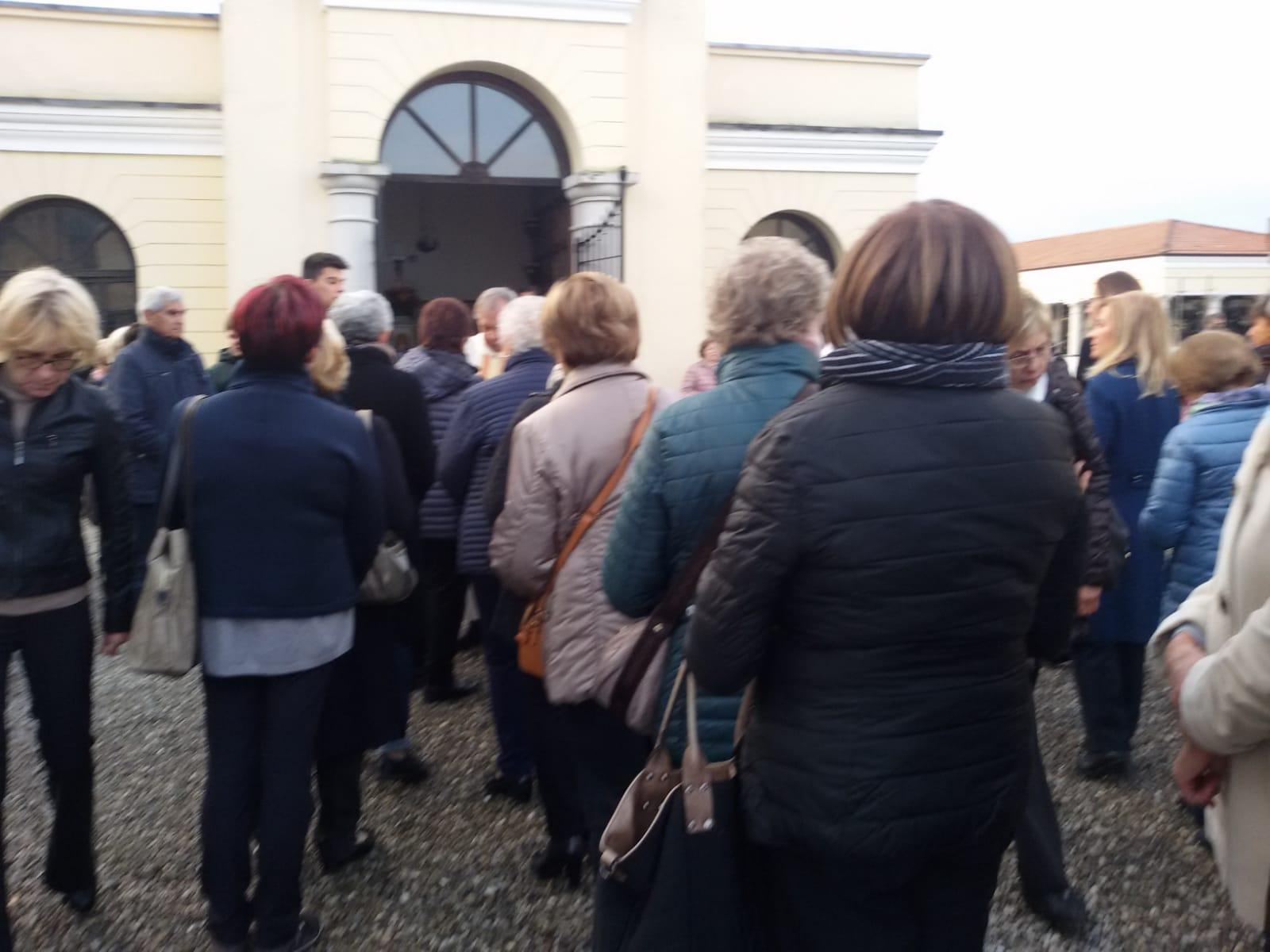Messa al cimitero (5)
