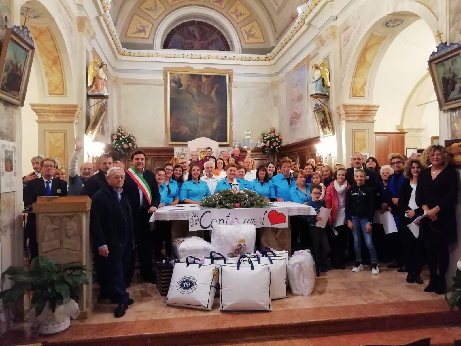 Esibizione Coro Perfetta Letizia Morfasso 2019 (1)