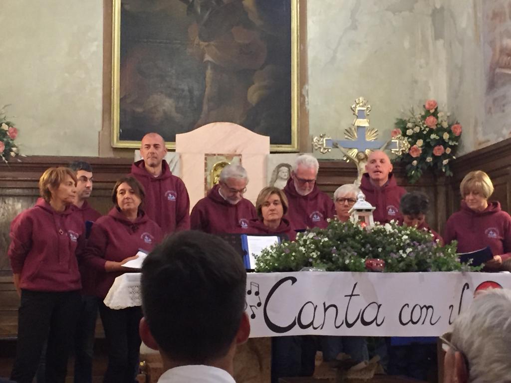 Esibizione Coro Perfetta Letizia Morfasso 2019 (2)