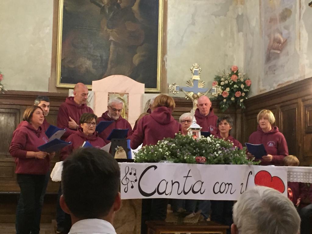 Esibizione Coro Perfetta Letizia Morfasso 2019 (4)
