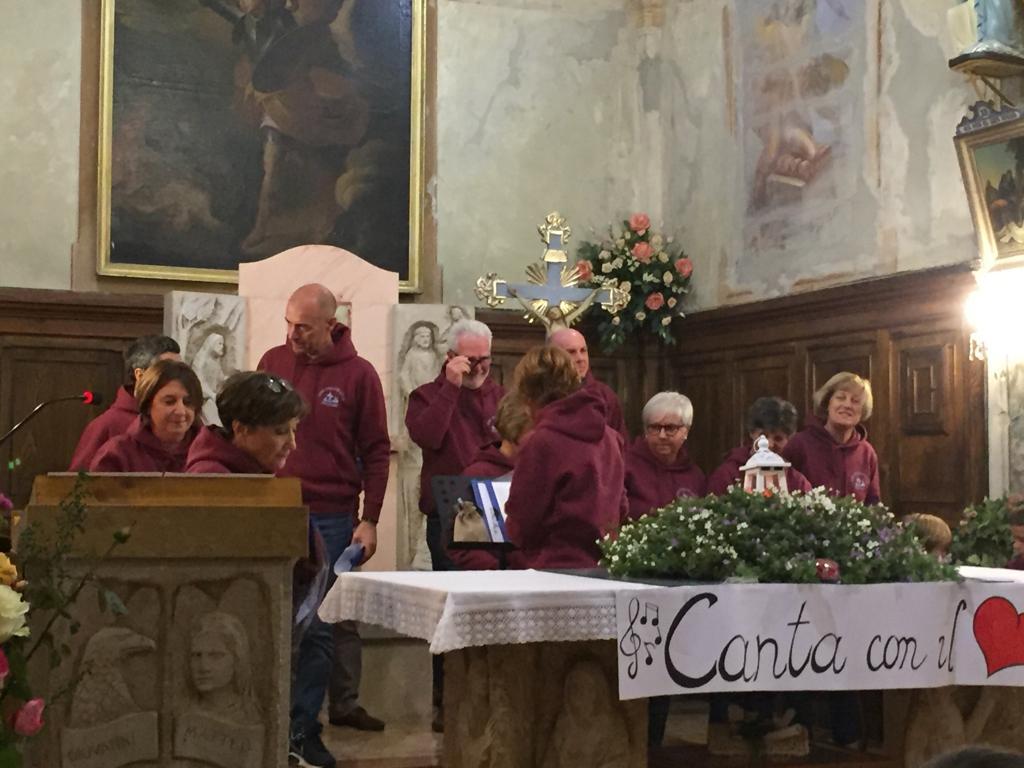 Esibizione Coro Perfetta Letizia Morfasso 2019 (6)