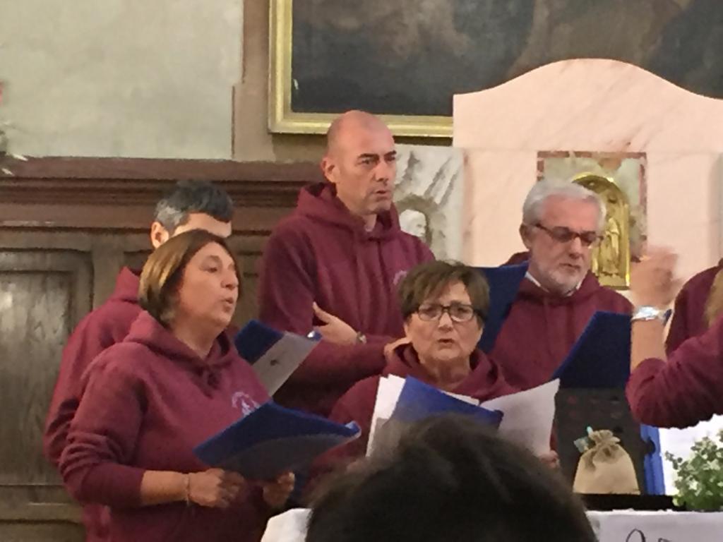 Esibizione Coro Perfetta Letizia Morfasso 2019 (9)