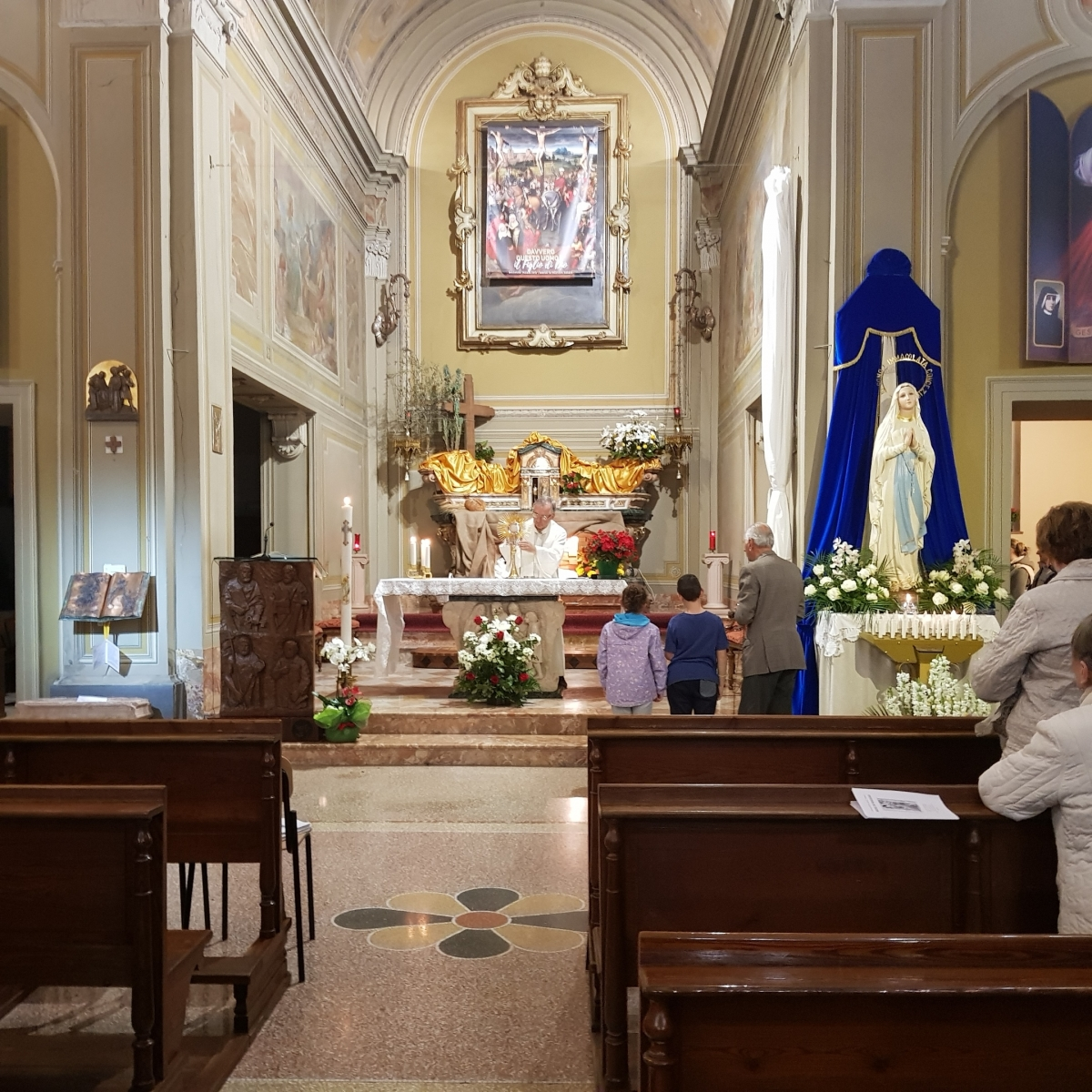 Benedizione eucaristica (1)
