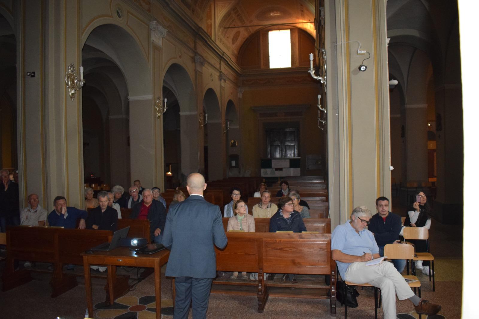 Presentazione dipinto Madonna in trono con santi (11)