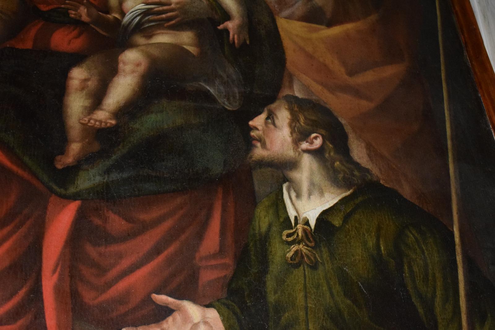 Presentazione dipinto Madonna in trono con santi (18)