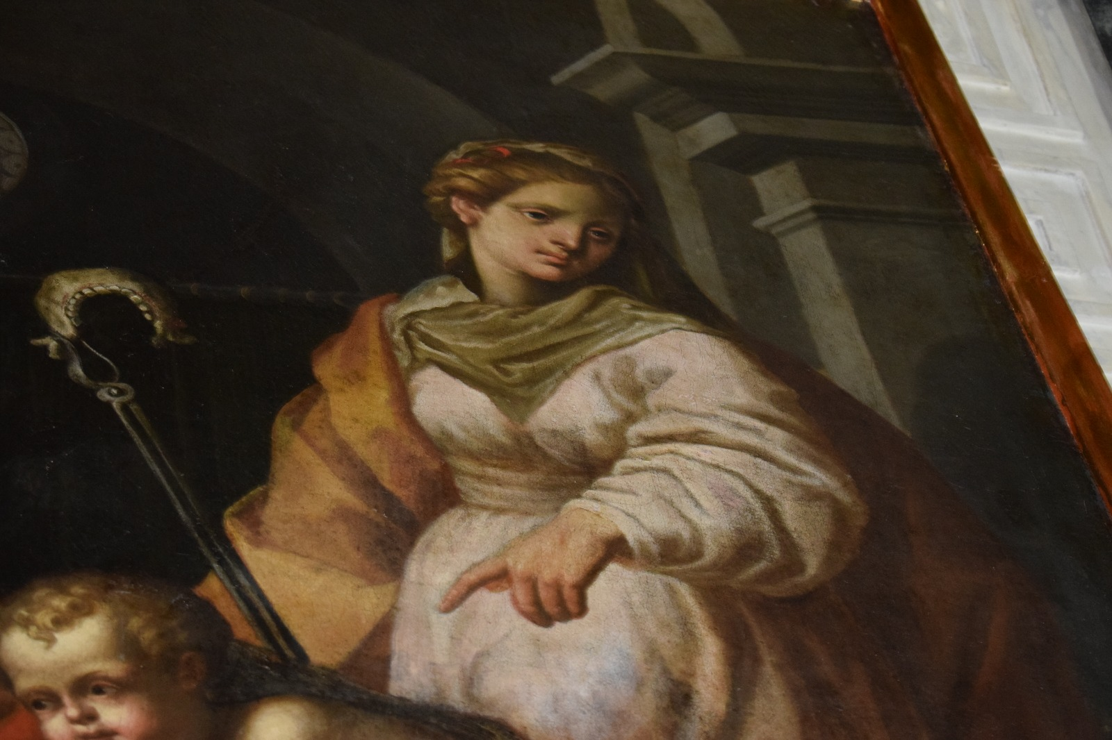 Presentazione dipinto Madonna in trono con santi (19)