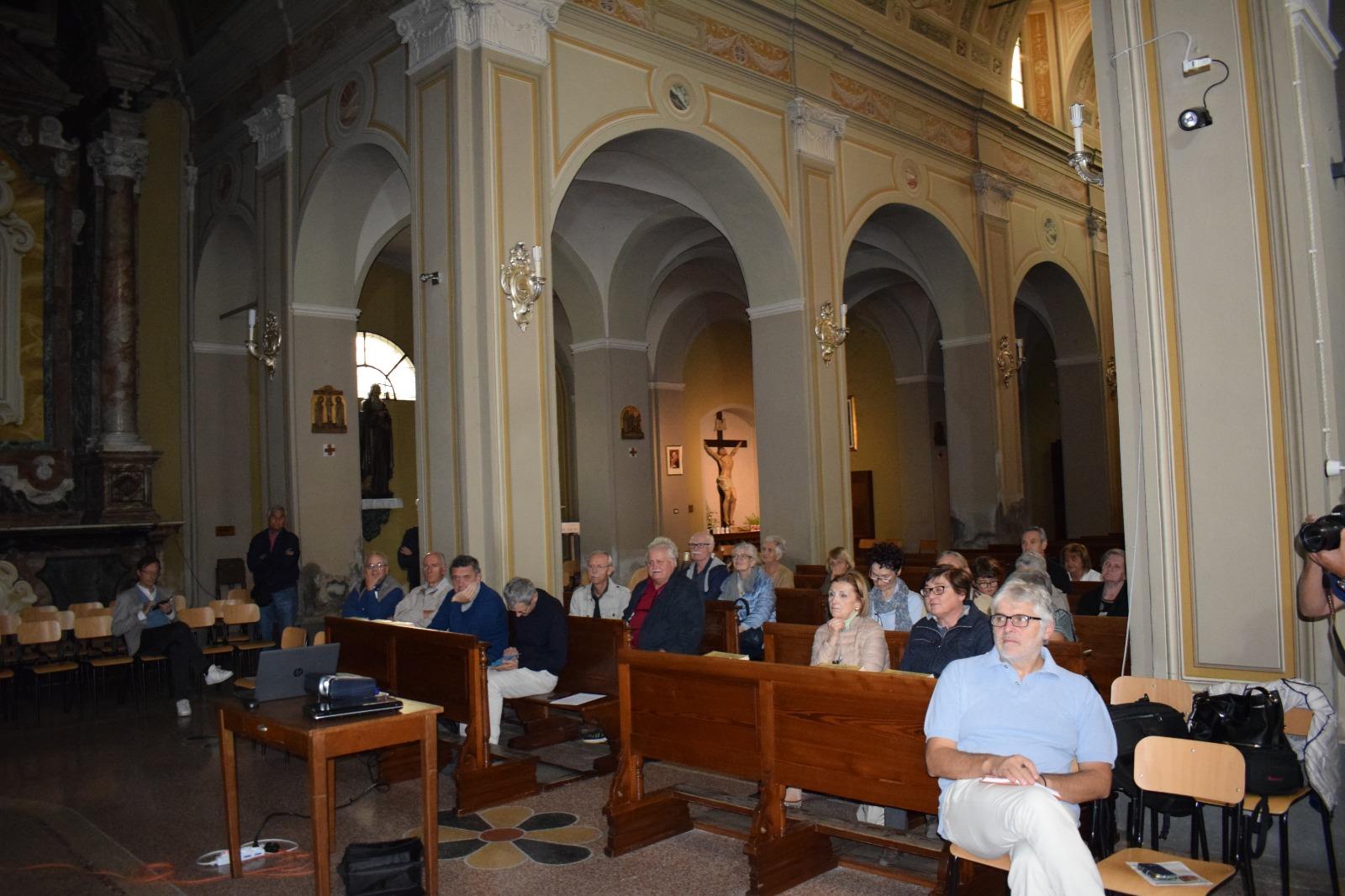 Presentazione dipinto Madonna in trono con santi (5)