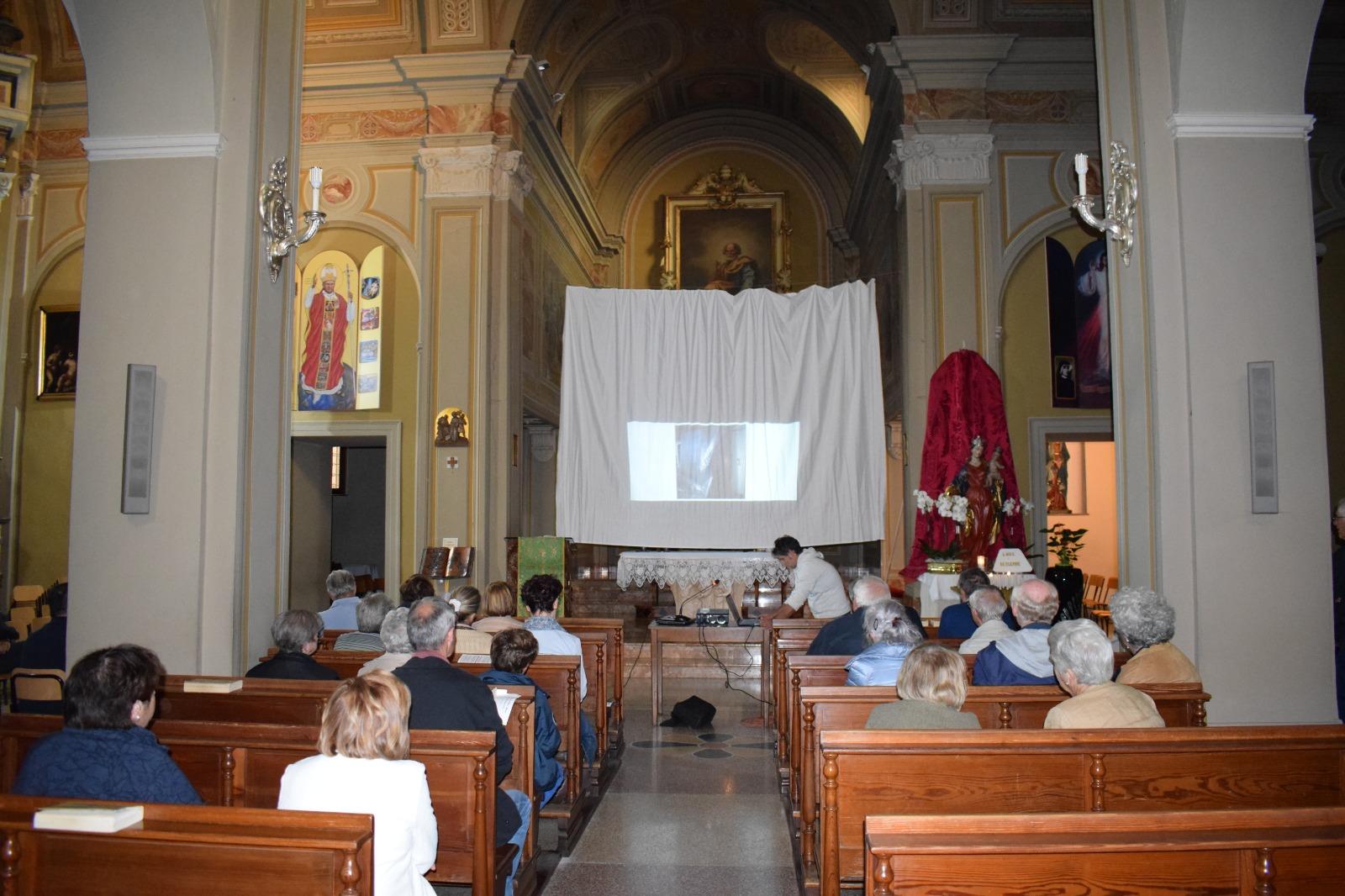 Presentazione dipinto Madonna in trono con santi (6)