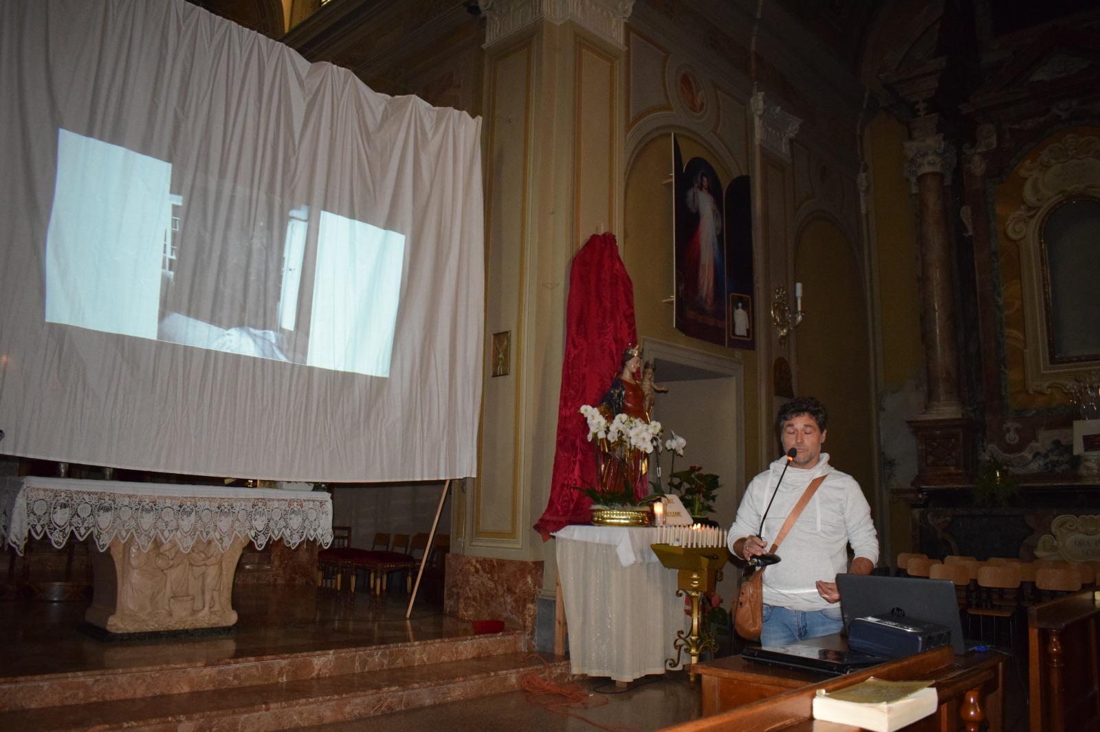Presentazione dipinto Madonna in trono con santi (7)