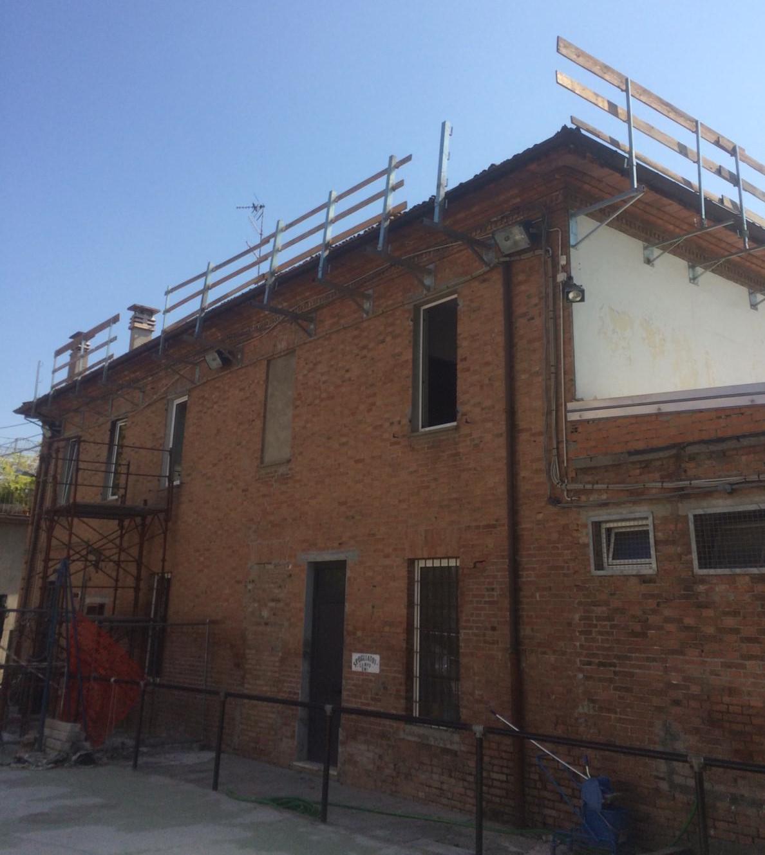Rifacimento tetto palazzina (2)
