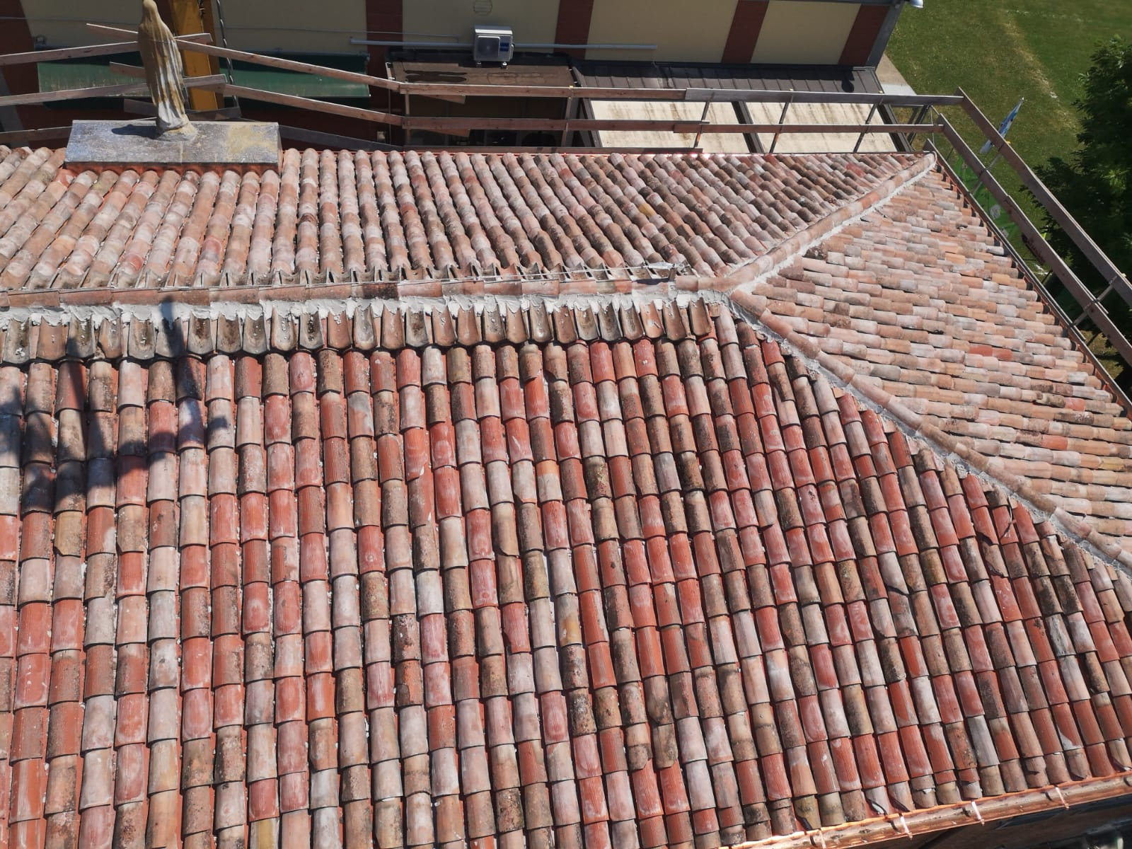 Rifacimento tetto palazzina (35)