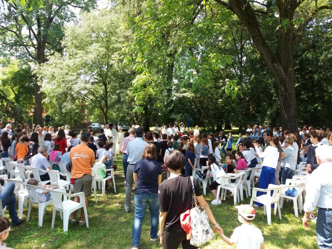 Messa al Parco Raggio Comunione (13)