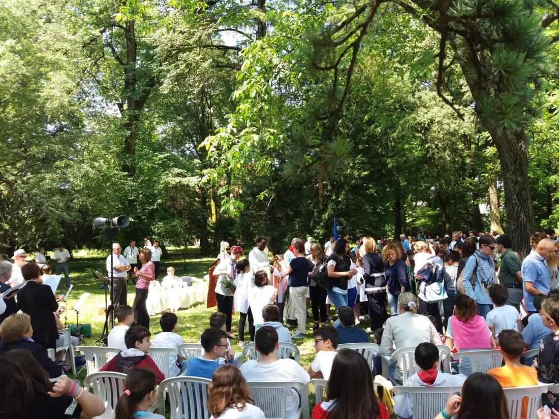 Messa al Parco Raggio Comunione (17)