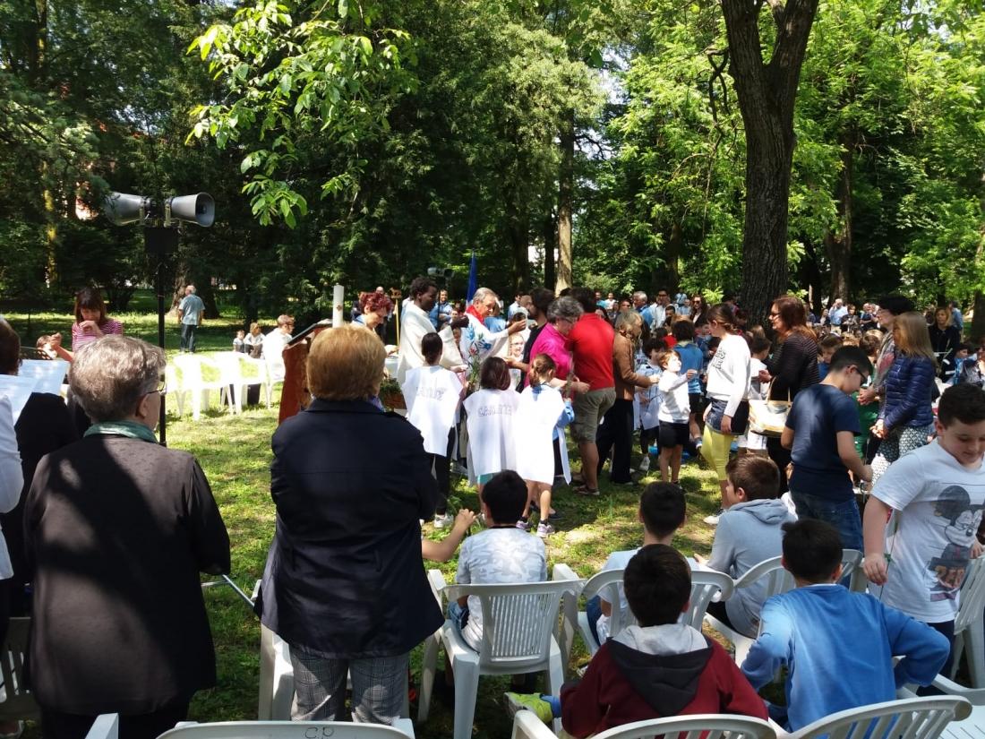 Messa al Parco Raggio Comunione (2)