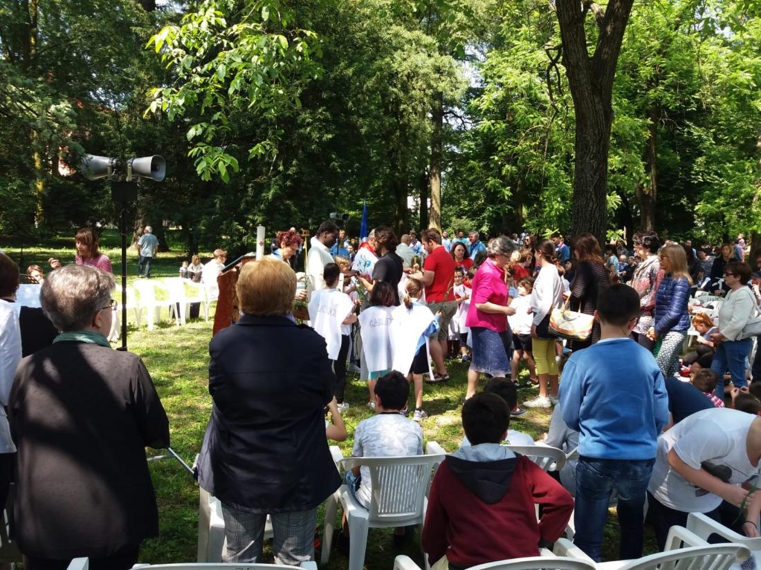 Messa al Parco Raggio Comunione (4)