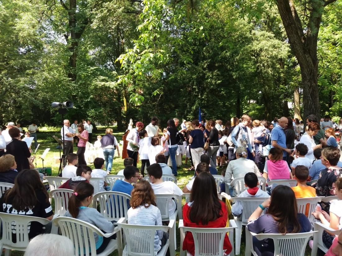 Messa al Parco Raggio Comunione (6)