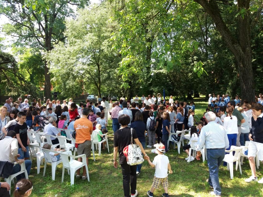 Messa al Parco Raggio Comunione (8)