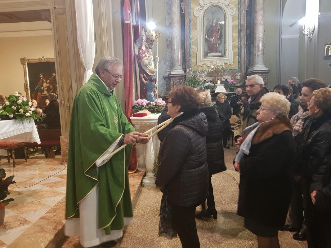San_Biagio_2018_Benedizione_gola (18)