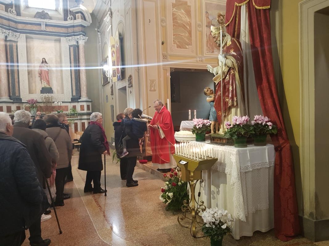 San_Biagio_2018_Benedizione_gola (6)