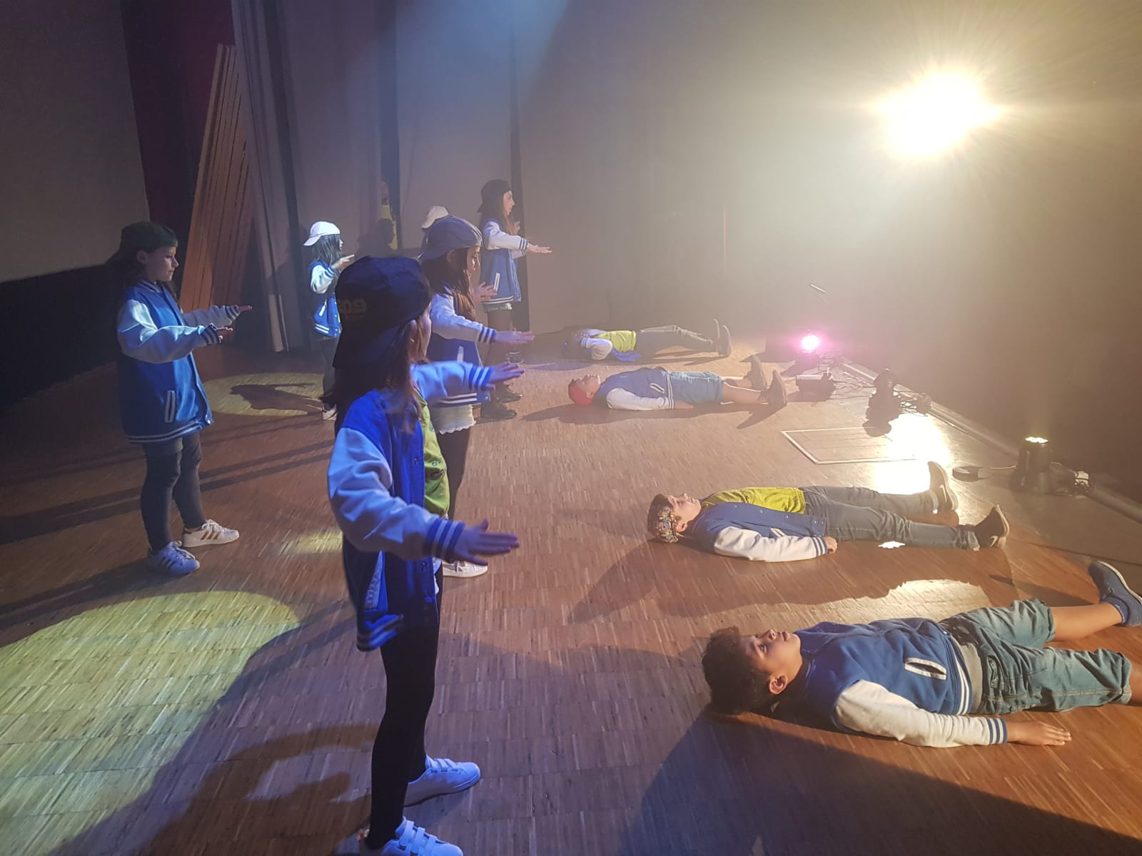 Spettacolo Teatrale Noi per l'OMI (27)