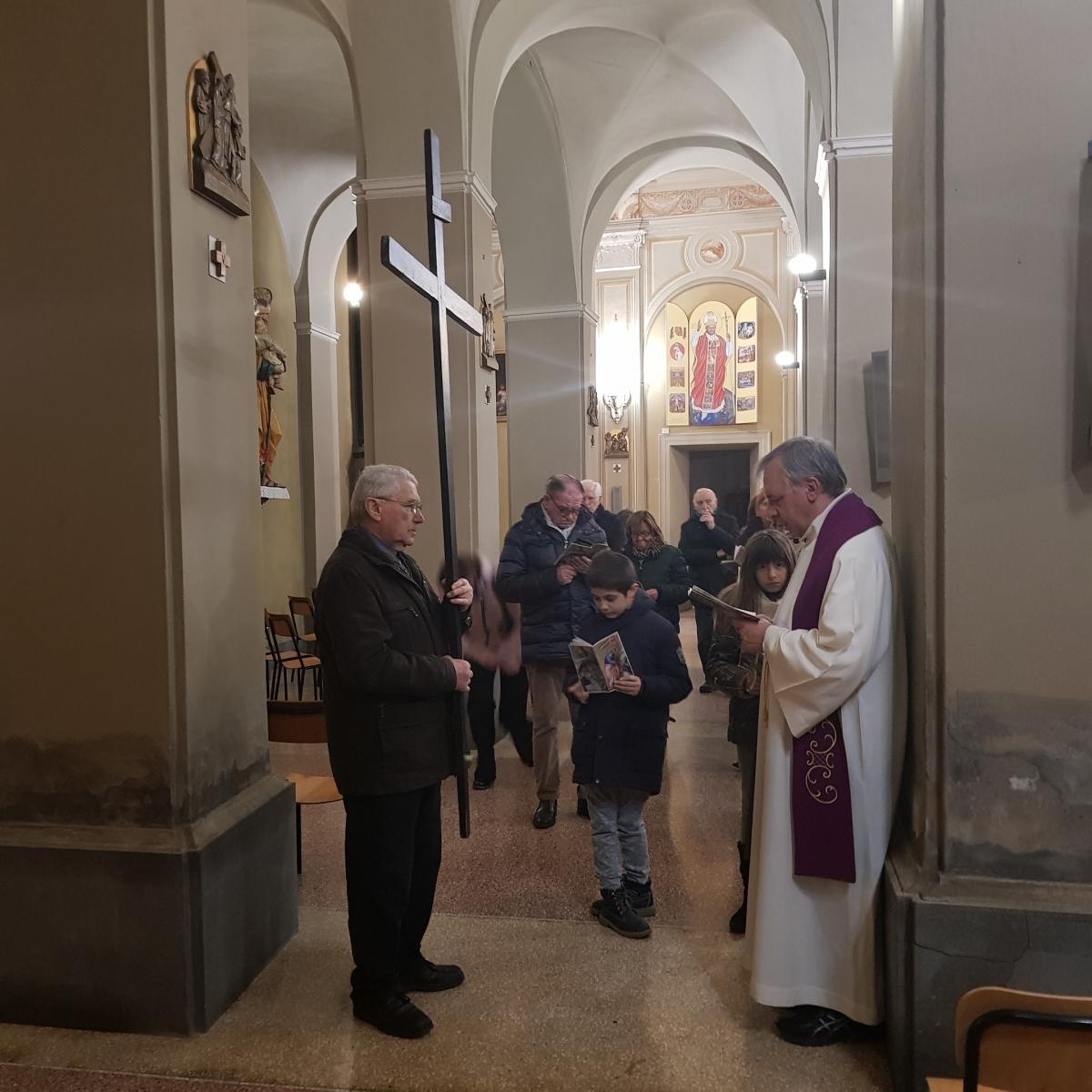 Via Crucis settimanale 2018 (5)