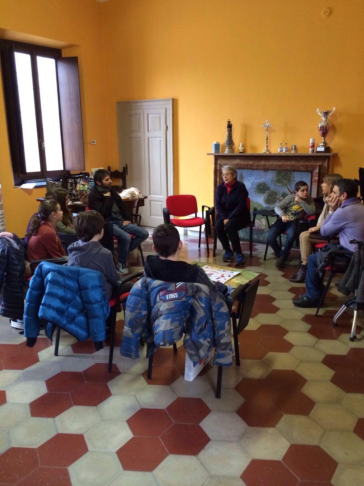 L'incontro dei volontari con i bambini della 5a Elementare.