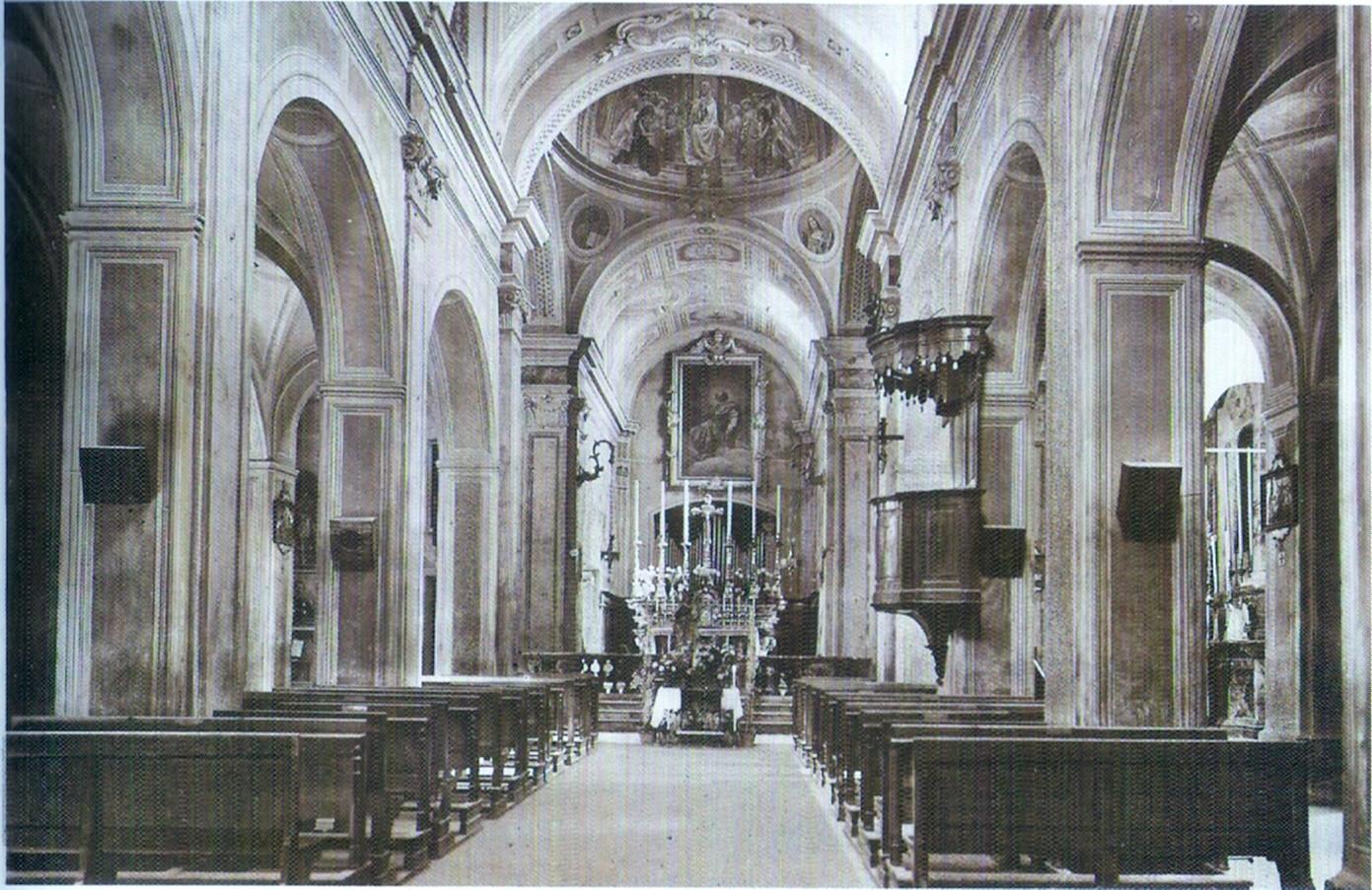 Una veduta interna della chiesa risalente ai primi anni del Novecento.