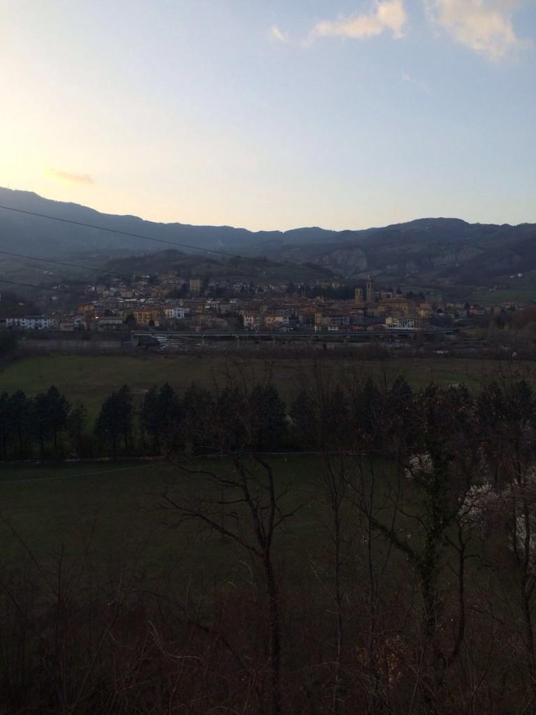 Una bella panoramica di Bobbio e delle sue montagne.