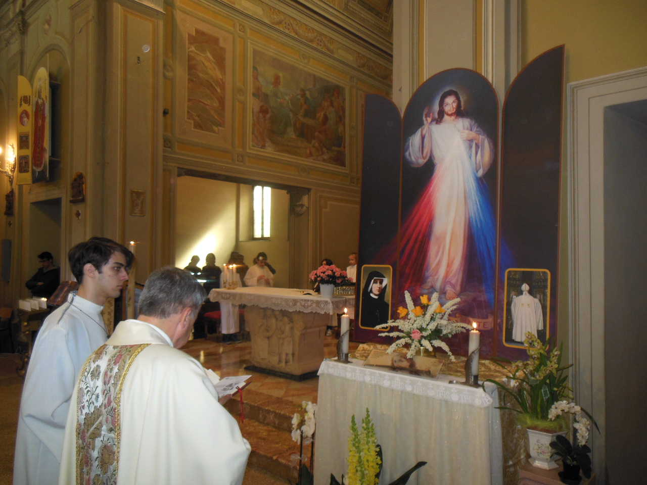 La preghiera con cui don Mauro ha benedetto il trittico.