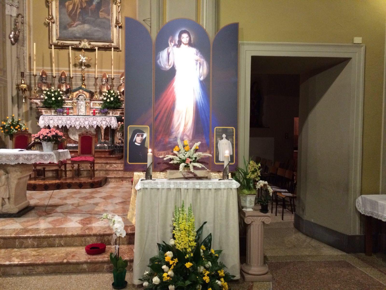Il trittico della Divina Misericordia che sarà benedetto durante la S. Messa di domani.