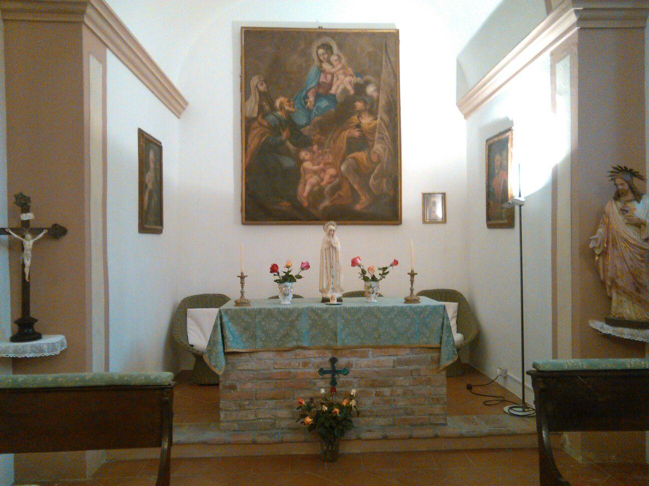 La cappelletta dell'abitazione della famiglia Canevaro in cui è stato recitato il Rosario lo scorso sabato.